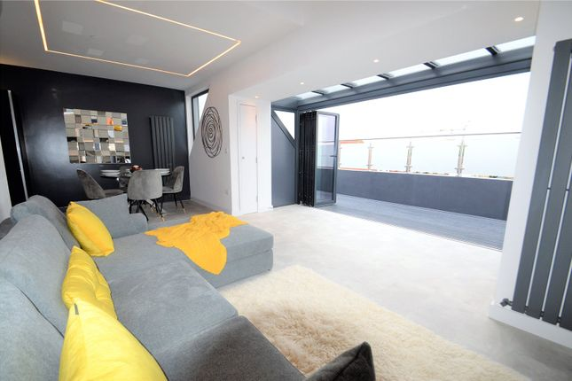 Thumbnail Flat for sale in Spence Court, 7 Woodside Green, London