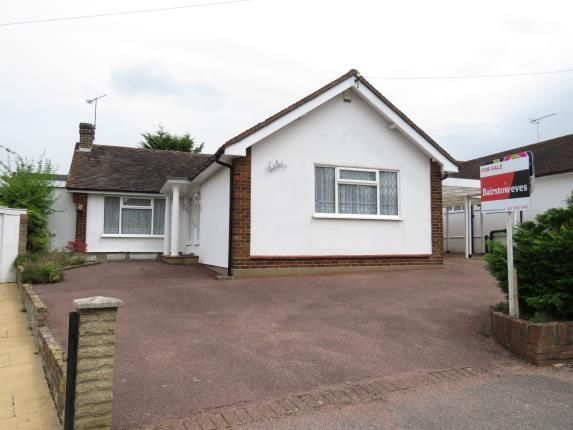 Thumbnail Bungalow for sale in Starling Close, Buckhurst Hill