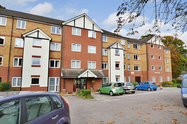 Thumbnail Flat for sale in Popes Court, Luton