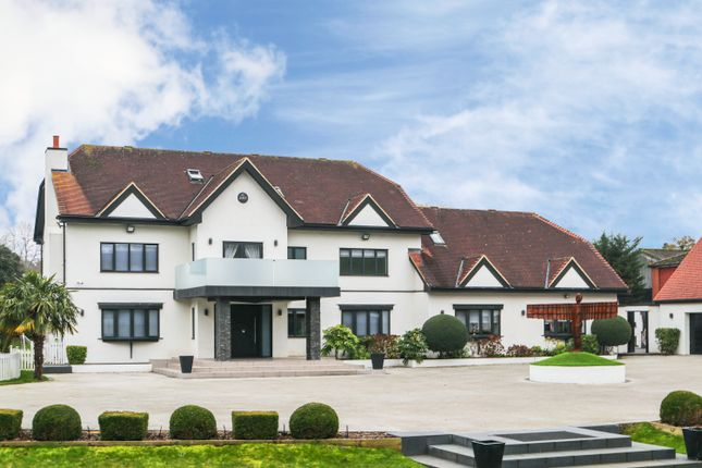 Thumbnail Detached house to rent in Rolls Park, High Road, Chigwell