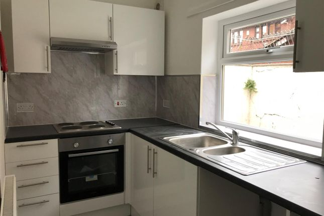 1 bed flat to rent in Princes Street, Rhyl LL18