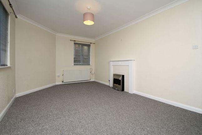 Living Room of Avenue Road, Bexleyheath DA7
