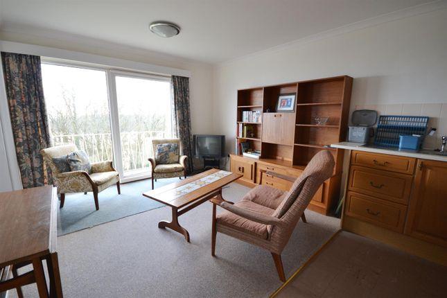 Living Area of Devon Court, Freshwater East, Pembroke SA71