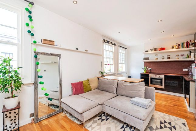 Thumbnail Flat to rent in Rossmore Road, London