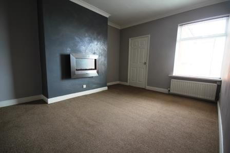 Thumbnail Flat to rent in Osborne Avenue, South Shields