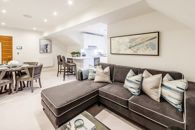 Thumbnail Flat to rent in Palace Wharf, Rainville Road, Fulham, London