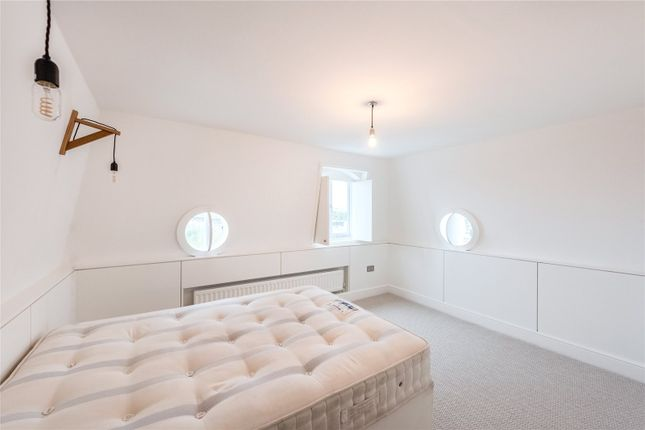Bedroom of Redcliffe Square, Earls Court, London SW10