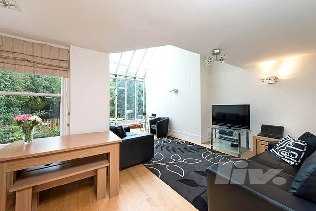 3 bed flat to rent in South Hill Park, Hampstead