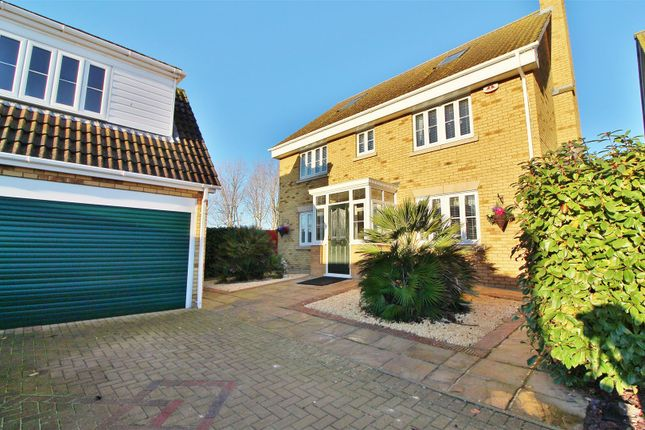 Thumbnail Detached house for sale in Magnolia Close, Canvey Island
