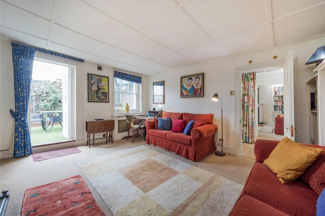 Thumbnail Flat for sale in Russell Street, London
