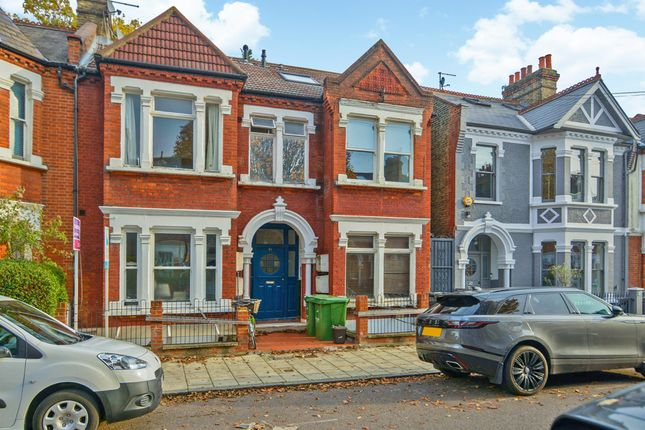 3 bed flat for sale in Englewood Road, London, UK SW12