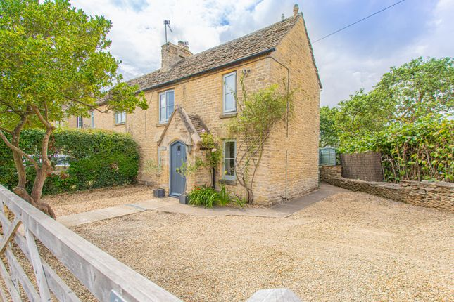 2 bed cottage for sale in Hampton Street, Tetbury GL8