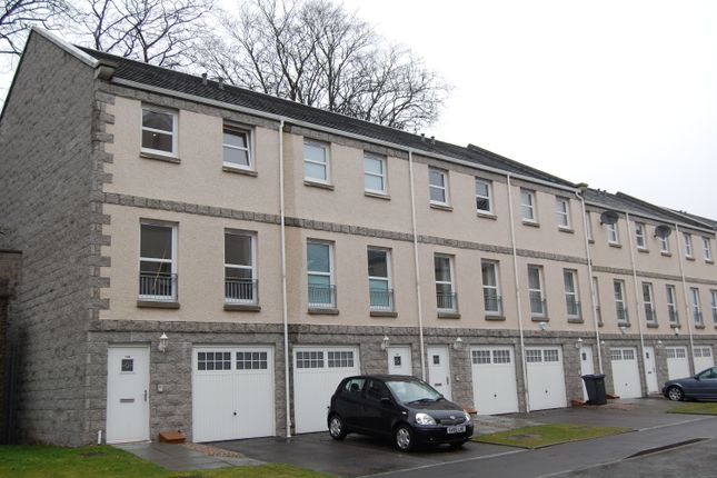 Thumbnail Terraced house to rent in South College Street, Aberdeen