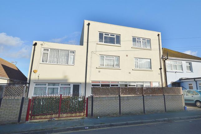 Thumbnail Flat for sale in Rosemary Way, Jaywick, Clacton-On-Sea