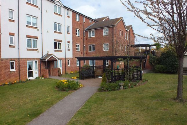 Thumbnail Flat to rent in Hamilton Court, Lammas Walk, Leighton Buzzard