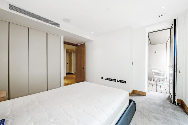Master Bedroom of The Courthouse, 70 Horseferry Road, Westminster, London SW1P