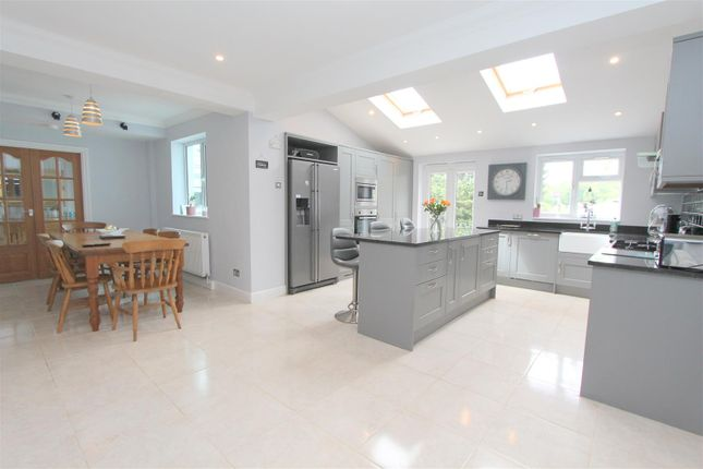 Thumbnail Detached house for sale in Woodside Road, Purley