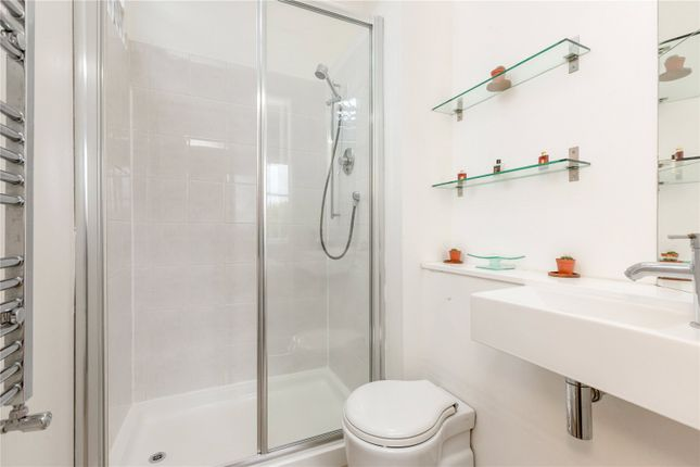 En Suite of 17/7 Bellevue Crescent, New Town, Edinburgh EH3