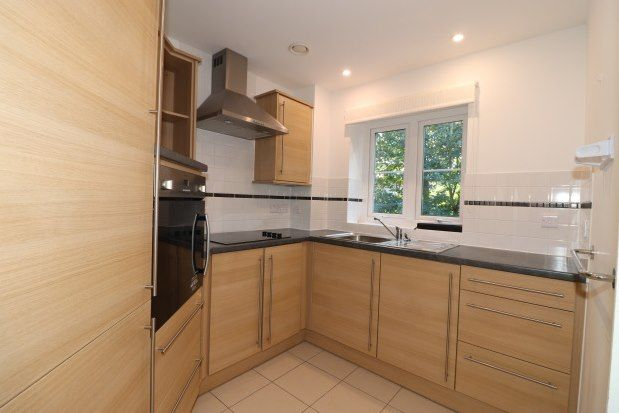 Thumbnail Flat to rent in Meadowside, Pulborough