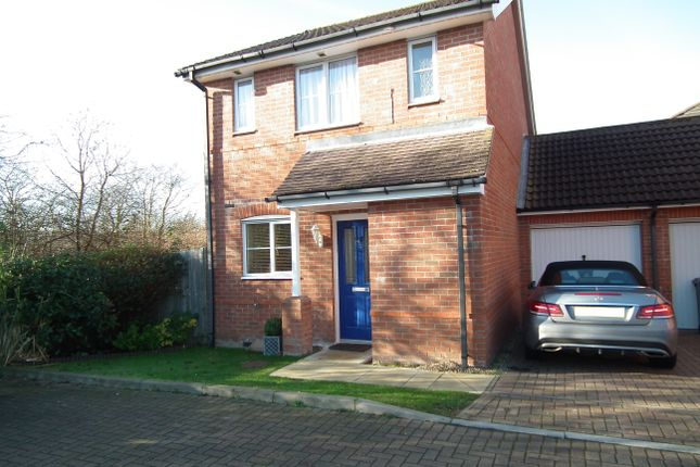 Thumbnail Link-detached house for sale in Mulberry Mead, Hatfield
