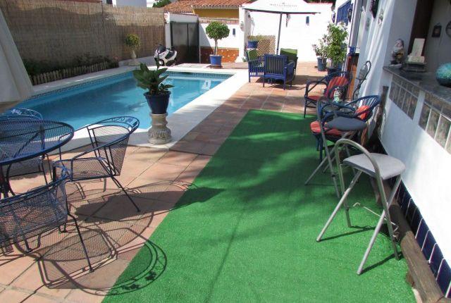 Pool Area of Spain, Málaga, Marbella, Nueva Andalucía