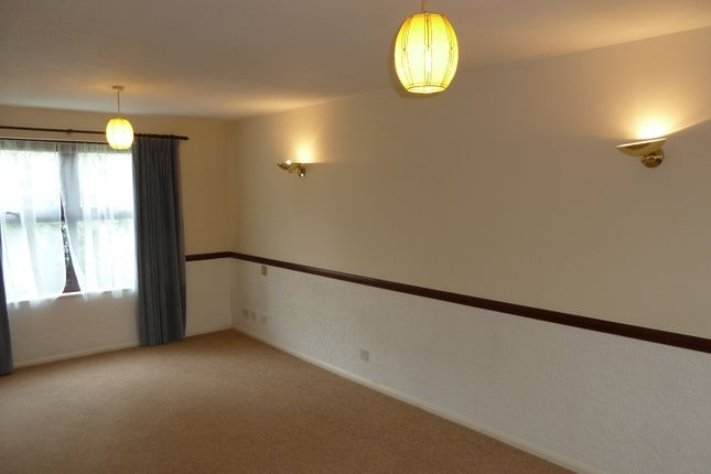 Detached house to rent in Rowhurst Avenue, Addlestone