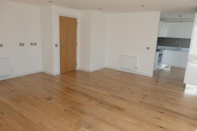 Thumbnail Flat to rent in Gransden House, Crouch End