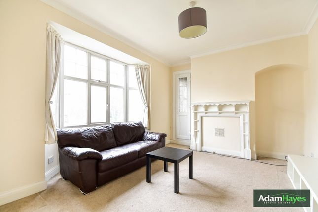 Flat to rent in East End Road, Finchley Central