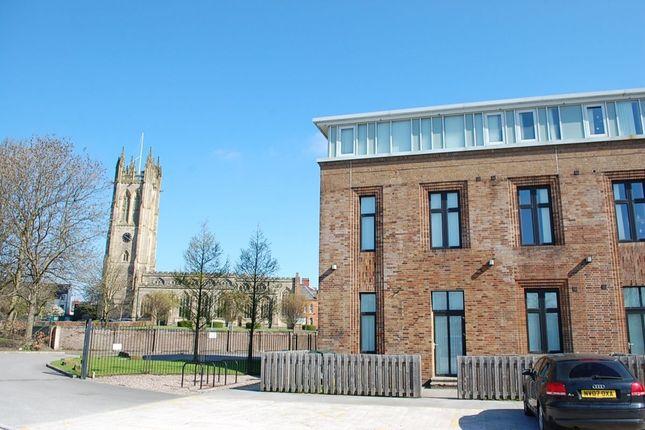 Thumbnail Flat to rent in Park Parade, Ashton-Under-Lyne