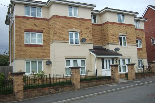 Thumbnail Flat to rent in Meadow Hill, Church Village, Pontypridd