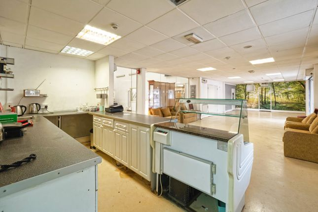 Thumbnail Leisure/hospitality to let in Epping New Road, Essex