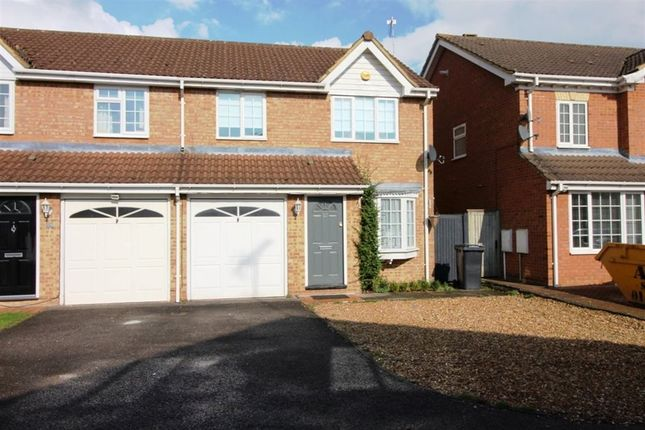 Thumbnail Property to rent in Crabtree Way, Dunstable