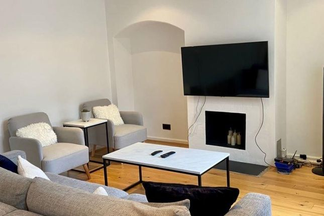Thumbnail Property to rent in Malmesbury Road, Morden