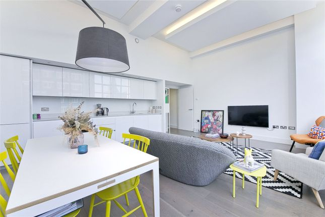 2 bed flat for sale in Chatham Place, Hackney