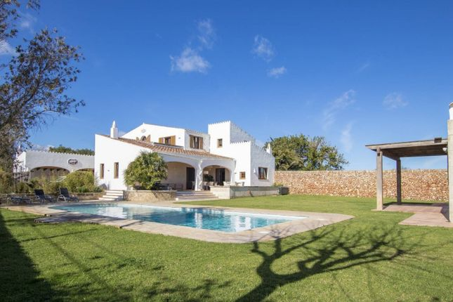 Thumbnail Country house for sale in Trebaluger, Es Castell, Spain