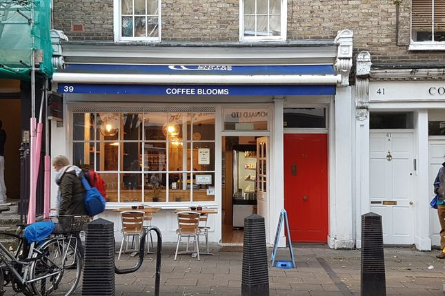 Thumbnail Restaurant/cafe to let in Lambs Conduit Street, London