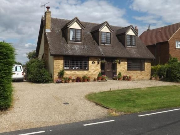 Thumbnail Bungalow for sale in King Street, Ongar