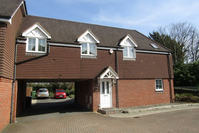 Thumbnail Flat to rent in Letcombe Place, Horndean, Waterlooville