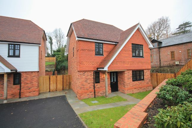 Thumbnail Detached house to rent in Hammerwood Road, Ashurst Wood, East Grinstead