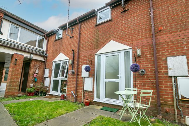 1 bed terraced house for sale in Nightingale Road, Hitchin SG5
