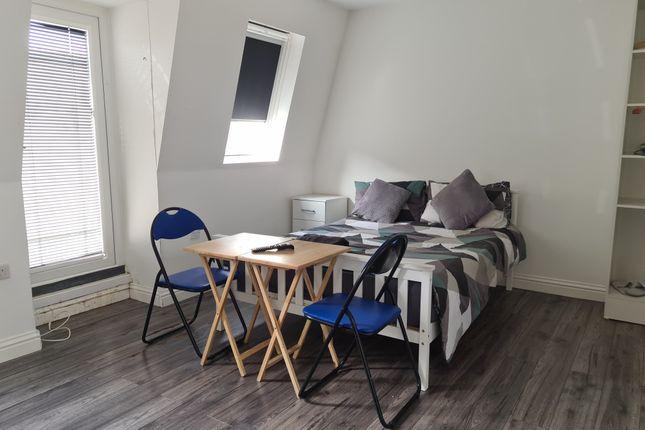 Thumbnail Studio to rent in Essex Road, Islington