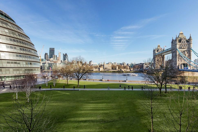 Thumbnail Flat to rent in Balmoral House, Earl's Way, One Tower Bridge
