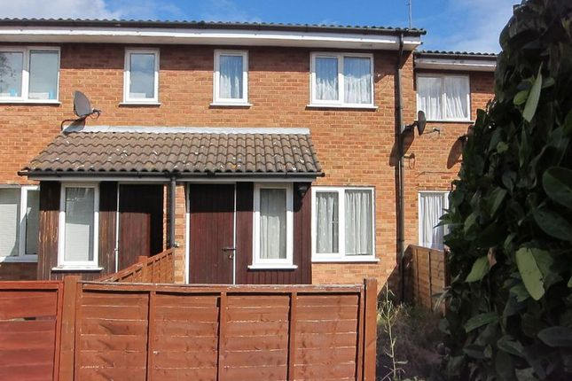 1 bed terraced house to rent in Pond Road, Egham