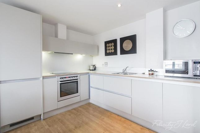 Thumbnail Detached house to rent in Hereford Road, London E3 2Fq
