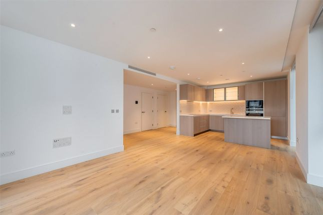Thumbnail Flat for sale in Kensington House, Prince Of Wales, Battersea