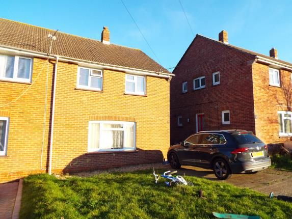Front of Berry Close, Newport PO30