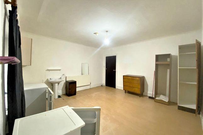 Room to rent in Northwick Park Road, Harrow HA1