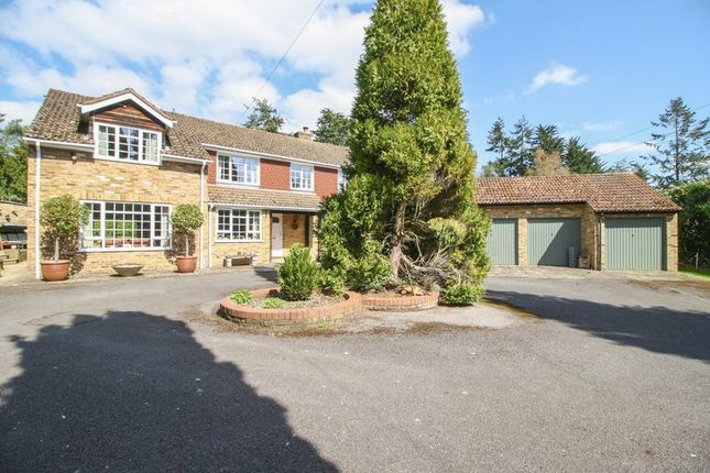 Thumbnail Detached house for sale in Marlow Common, Marlow