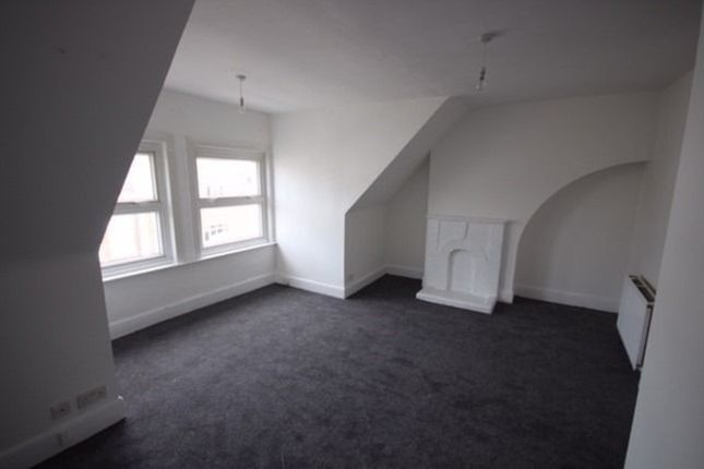 Flat for sale in High Street, London