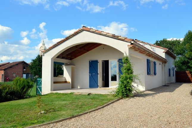 2 bed property for sale in Midi-Pyrénées, Tarn-Et-Garonne, Montauban